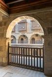 Αψίδα με τα ξύλινα κιγκλιδώματα, caravansary Wikala Bazaraa, Κάιρο, Αίγυπτος Στοκ φωτογραφία με δικαίωμα ελεύθερης χρήσης