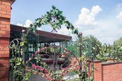 Αψίδα πυλών λουλουδιών Στοκ Φωτογραφίες