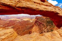 Αψίδα Mesa, εθνικό πάρκο Canyonlands κοντά Moab, Γιούτα, ΗΠΑ Στοκ Εικόνα
