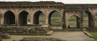 Αψίδες και καταστροφή ιστορικό Jal Mahal Madhya Pradesh Στοκ φωτογραφίες με δικαίωμα ελεύθερης χρήσης