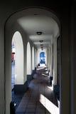 Αψίδες Arcade με την ελαφριά σκιά στο κτήριο Στοκ Φωτογραφίες