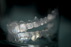 Αόρατα οδοντικά πλαστικά στηρίγματα δοντιών υποστηριγμάτων δοντιών στοκ εικόνες