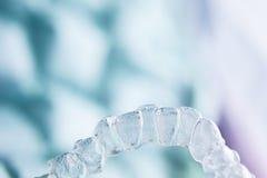 Αόρατα οδοντικά πλαστικά στηρίγματα στοκ εικόνες με δικαίωμα ελεύθερης χρήσης