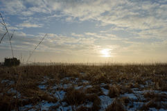 Αύξηση ήλιων που λειώνει το χιόνι που δημιουργεί τις πτώσεις Στοκ φωτογραφία με δικαίωμα ελεύθερης χρήσης