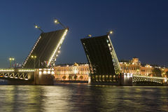 αύξηση παλατιών γεφυρών Στοκ φωτογραφίες με δικαίωμα ελεύθερης χρήσης