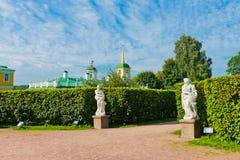 Αλέα στο πάρκο Kuskovo. Μόσχα. Στοκ φωτογραφία με δικαίωμα ελεύθερης χρήσης