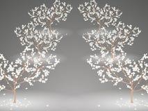 Αλέα των λάμποντας ανθίζοντας δέντρων κερασιών με τα μειωμένα λουλούδια Στοκ Φωτογραφία