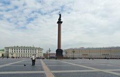 Αλέξανδρος Column στο τετράγωνο παλατιών Στοκ εικόνα με δικαίωμα ελεύθερης χρήσης