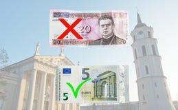 Αλλαγές της Λιθουανίας στο ευρώ Στοκ εικόνα με δικαίωμα ελεύθερης χρήσης