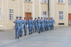 Αλλαγή της φρουράς Πράγα - τσέχικα Στοκ εικόνα με δικαίωμα ελεύθερης χρήσης