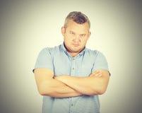 Αλαζονικός επιχειρηματίας ατόμων σε ένα πουκάμισο με suspenders Φαλακρός με το α Στοκ εικόνα με δικαίωμα ελεύθερης χρήσης
