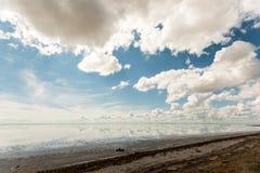 Αλατισμένη λίμνη Elton και αντανάκλαση Στοκ Εικόνα