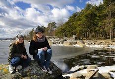 αδελφές πορτρέτου ακτών Στοκ Εικόνες