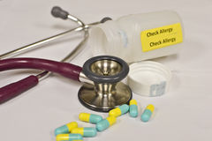 Αλλεργία φαρμάκων ελέγχου Στοκ φωτογραφία με δικαίωμα ελεύθερης χρήσης