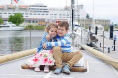 Αδελφή και αδελφός Στοκ Εικόνες