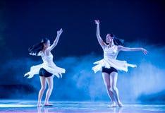 Αδελφή-σύγχρονος χορός Στοκ εικόνα με δικαίωμα ελεύθερης χρήσης