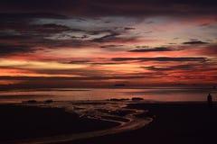 Αληθινά καταπληκτικά χρώματα του ουρανού στο ηλιοβασίλεμα Koh Lanta Στοκ Φωτογραφίες