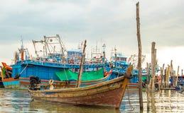 αλιεία βαρκών ξύλινη Στοκ Εικόνες