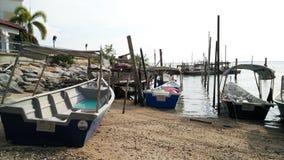 αλιεία βαρκών παραλιών στοκ εικόνα με δικαίωμα ελεύθερης χρήσης