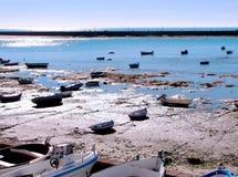 αλιεία βαρκών παραλιών Στοκ Φωτογραφίες