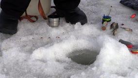 Αλιεία πάγου απόθεμα βίντεο