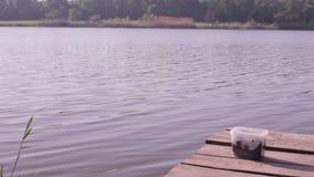 Αλιεία στη λίμνη απόθεμα βίντεο