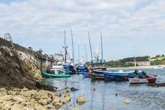 Αλιευτικά σκάφη σε SAN Vicente de Λα Barquera, Ισπανία Στοκ φωτογραφία με δικαίωμα ελεύθερης χρήσης
