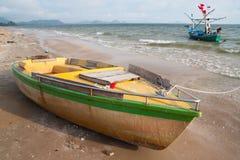 Αλιευτικά σκάφη στην παραλία Στοκ Εικόνα