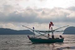 Αλιευτικά σκάφη στη θάλασσα Στοκ φωτογραφίες με δικαίωμα ελεύθερης χρήσης