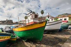 Αλιευτικά σκάφη Camara de Lobos στη Μαδέρα Στοκ εικόνα με δικαίωμα ελεύθερης χρήσης