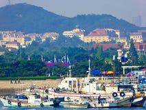 Αλιευτικά σκάφη Qingdao στη θάλασσα Στοκ Φωτογραφίες