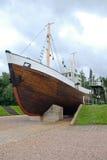 Αλιευτικό πλοιάριο κοντά στο λιθουανικό μουσείο θάλασσας Στοκ φωτογραφία με δικαίωμα ελεύθερης χρήσης
