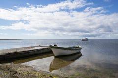 Αλιευτικό σκάφος και σκάφος εν πλω στοκ φωτογραφίες με δικαίωμα ελεύθερης χρήσης
