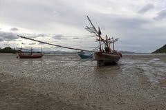 Αλιευτικό σκάφος που σταθμεύουν Στοκ εικόνες με δικαίωμα ελεύθερης χρήσης