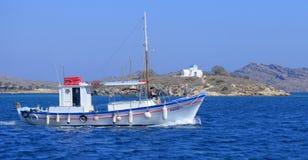Αλιευτικό σκάφος στην Ελλάδα Στοκ φωτογραφία με δικαίωμα ελεύθερης χρήσης
