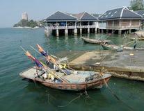 Αλιευτικό σκάφος στον κόλπο ακτών ν Angsila, Chonburi, Ταϊλάνδη Στοκ φωτογραφίες με δικαίωμα ελεύθερης χρήσης