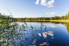 αλιεύοντας άτομα λιμνών βαρκών Στοκ εικόνα με δικαίωμα ελεύθερης χρήσης