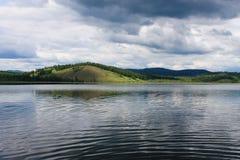 αλιεύοντας άτομα λιμνών βαρκών Στοκ εικόνες με δικαίωμα ελεύθερης χρήσης