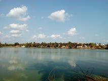 αλιεύοντας άτομα λιμνών βαρκών Στοκ Εικόνες