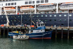 Αλιεύοντας αλιευτικό πλοιάριο Στοκ Εικόνα