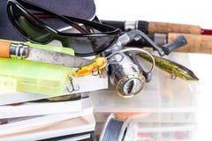 Αλιεύοντας εξοπλισμοί και δολώματα με την ΚΑΠ στα βιβλία Στοκ Εικόνα