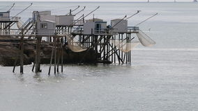 Αλιεύοντας καλύβες, ατλαντική ακτή, Άγιος-Palais-sur-Mer, Γαλλία φιλμ μικρού μήκους