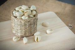 Αλμυρά καρύδια φυστικιών στοκ εικόνα