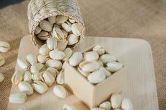 Αλμυρά καρύδια φυστικιών στοκ εικόνες με δικαίωμα ελεύθερης χρήσης
