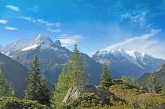 Αλπική άποψη της Mont Blanc Στοκ εικόνες με δικαίωμα ελεύθερης χρήσης