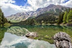 Αλπική λίμνη Obernberg στην Αυστρία Στοκ Εικόνα