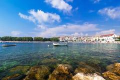 Αδριατική θάλασσα, Κροατία, τοπίο με τη βάρκα Στοκ Φωτογραφία