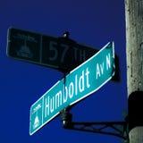 57α σημάδια οδών της Μινεάπολη Μινεσότα και οδών λεωφόρων Humboldt στη βόρεια πλευρά στοκ εικόνες