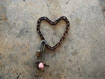 Αλυσίδα καρδιά-που διαμορφώνεται στοκ φωτογραφία με δικαίωμα ελεύθερης χρήσης