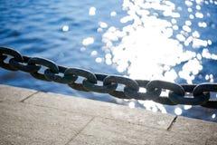 Αλυσίδα στην αποβάθρα Στοκ Εικόνες